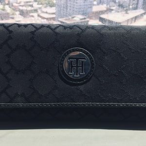 Tommy Hilfiger Black Signature Wallet